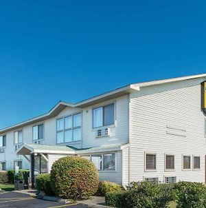 Super 8 By Wyndham Du Quoin photos Exterior