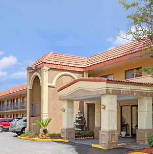 Super 8 By Wyndham Jacksonville Orange Park photos Exterior
