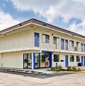 Motel 6 Pittsburgh Crafton photos Exterior