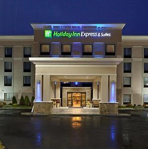 Holiday Inn Express & Suites Malone photos Exterior