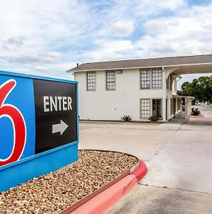 Motel 6 Bryan College Station photos Exterior