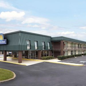Days Inn By Wyndham Seneca photos Exterior