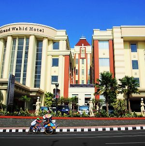 Grand Wahid Hotel Salatiga photos Exterior