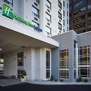 Holiday Inn Express Windsor Waterfront, An Ihg Hotel photos Exterior