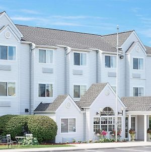 Microtel Inn By Wyndham Erie photos Exterior