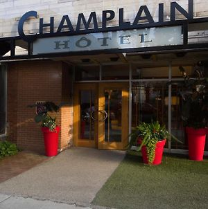 Champlain photos Exterior