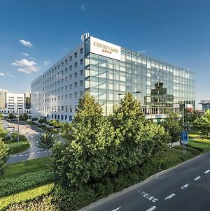 Courtyard By Marriott Prague Airport photos Exterior