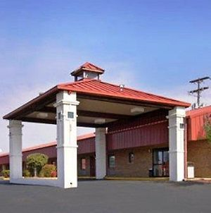 Americas Best Value Inn - Batesville photos Exterior