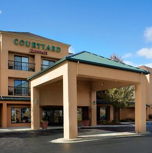 Courtyard By Marriott Detroit Utica photos Exterior