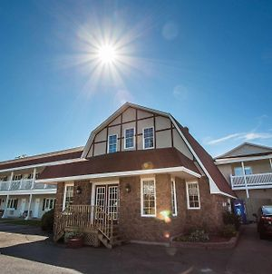 Canadas Best Value Inn & Suites Summerside photos Exterior
