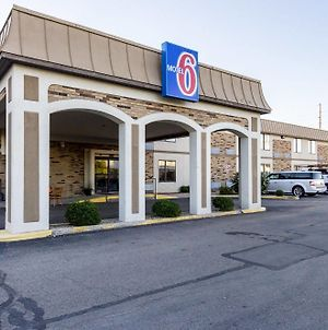Motel 6 Springfield photos Exterior