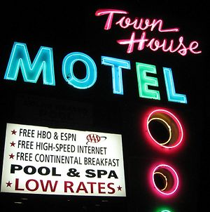 Town House Motel photos Exterior
