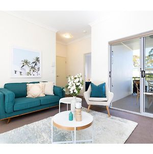 Light, Bright And Spacious Unit Close To Beaches photos Exterior