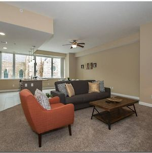 2Br 2Ba In The Heart Of Downtown photos Room
