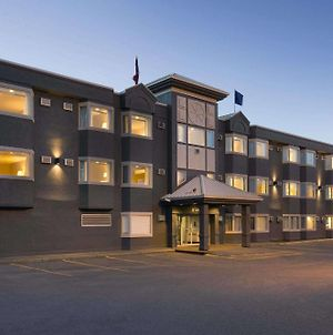 Travelodge By Wyndham Calgary University photos Exterior