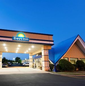 Days Inn By Wyndham Norman photos Exterior
