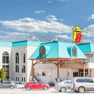 Super 8 By Wyndham Castlegar Bc photos Exterior