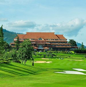 Bandung Giri Gahana Golf And Resort photos Exterior
