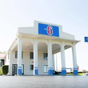 Motel 6 Cookeville Tn photos Exterior