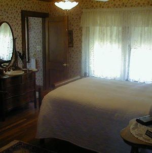 Dearborn Bed And Breakfast photos Room
