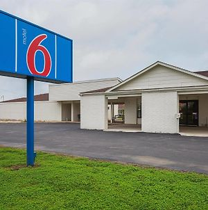 Motel 6 Madisonville photos Exterior