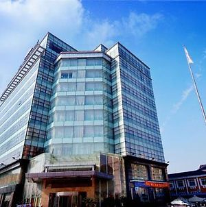Howard Johnson Songjiang photos Exterior