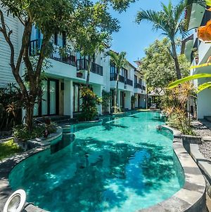 Zen Rooms Dewi Ratih Seminyak photos Exterior