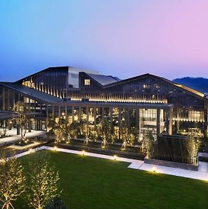 Hilton Ningbo Dongqian Lake Resort photos Exterior