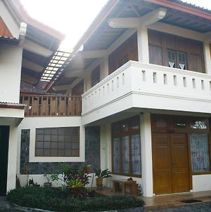 Nida Rooms Merpati Smabi Sari Temple photos Exterior