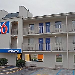 Econo Lodge Charleston East photos Exterior