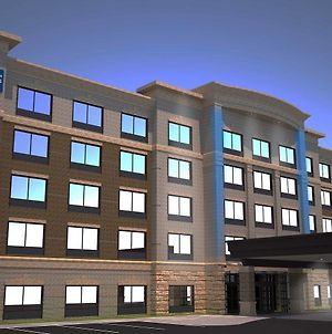 Holiday Inn Express & Suites Elizabethtown North photos Exterior
