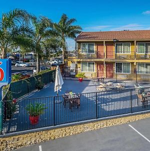 Motel 6 San Diego - Southbay photos Exterior