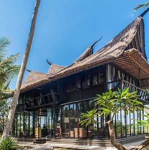 Most Exotic Beachfront Villa Keong photos Exterior
