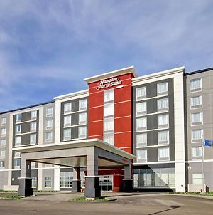 Hampton Inn & Suites - Medicine Hat photos Exterior