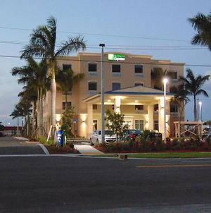 Holiday Inn Express & Suites Boynton Beach East, An Ihg Hotel photos Exterior