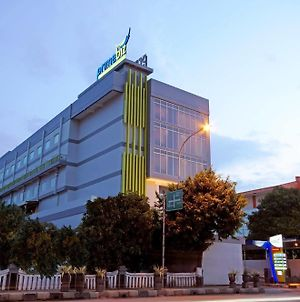 Hotel Primebiz Tegal photos Exterior