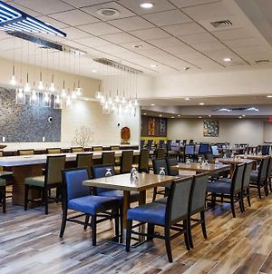 Doubletree By Hilton Neenah photos Exterior