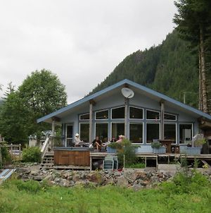 Reel Obsession Fishing Lodge Vancouver Island All Inclusive photos Exterior