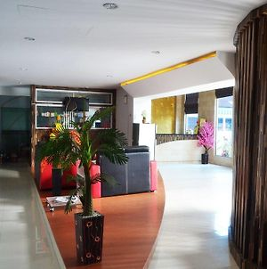 Nida Rooms Mall Ska Pekanbaru photos Exterior