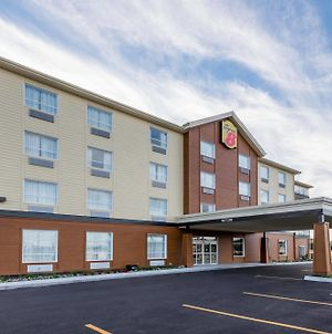 Super 8 By Wyndham Mont Laurier photos Exterior