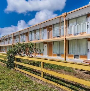Motel 6 Vero Beach Fl photos Exterior