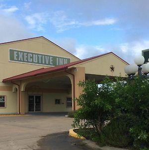 Executive Inn & Suites Schulenburg photos Exterior