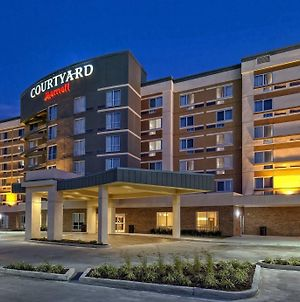 Courtyard By Marriott Westbury Long Island photos Exterior