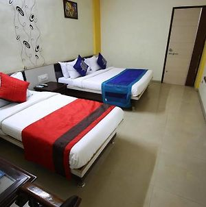 Oyo Rooms Near Ongc Chandkheda photos Exterior