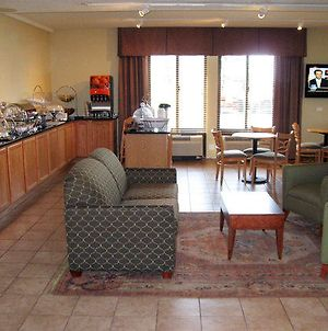 Baymont By Wyndham Canton/Hall Of Fame photos Interior