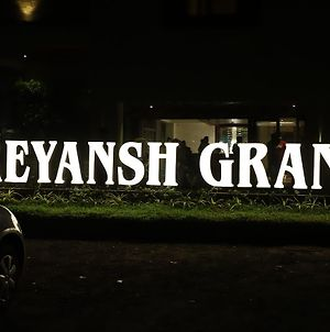 Hotel Reyansh Grand photos Exterior