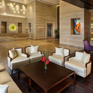 Sandal Suites Operated By Lemon Tree Hotels photos Interior