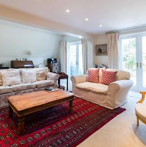 Traditional 5Bed Family Home, 2Min From Tube photos Exterior