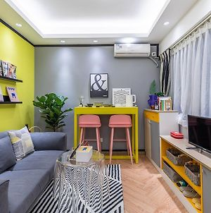 Lu Ke Boutique Homestay No. 00161080, Close To Changshou Road Subway Station & Up And Down The Nine-Step Street & Xiguan Gastronomy & Sand Noodles photos Exterior