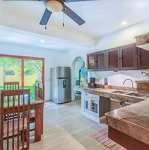 Beautifully Decorated, Modern Villa! Located Close To Downtown Isla Mujeres!!! photos Exterior